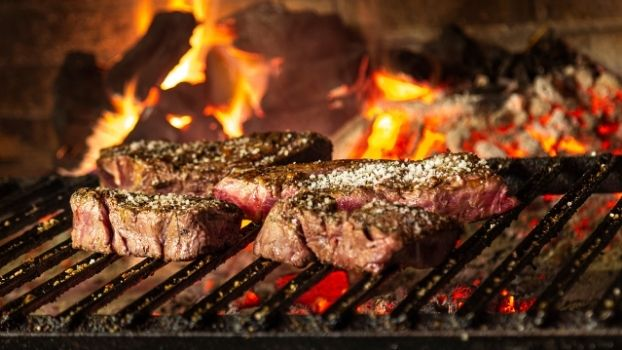 Bij ZAAI Kweek & Eet barbequen we aaleen met kwaliteitsvlees zoals het Black Angus ribeye!