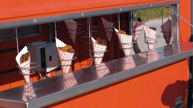 Een zomer foodtruck festival met oldtimer brandweer aanhangwagen. Dat kan alleen bij ZAAi Kweek & Eet!