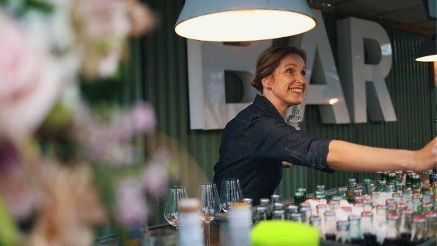Op zoek naar een unieke trouwlocatie in Aalsmeer? ZAAI Kweek & Eet voor bruidsparen die het net even anders willen!